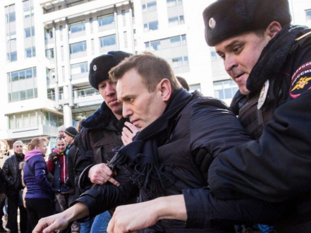 Έμπιστος του Ναβάλνι αναμένει ενίσχυση αντιπολίτευσης στις εκλογές μετά τη δηλητηρίαση